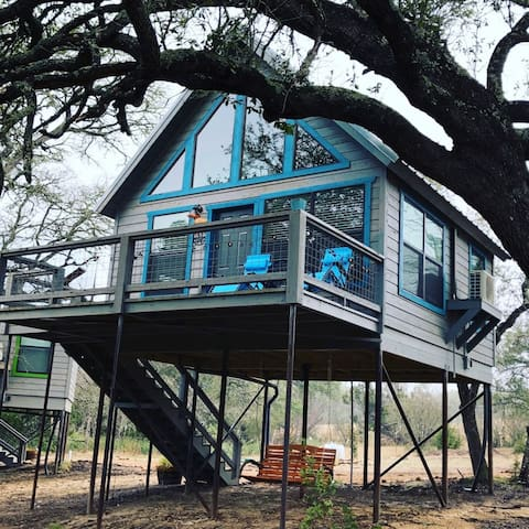 Arbor House of Dripping Springs--Nautical House