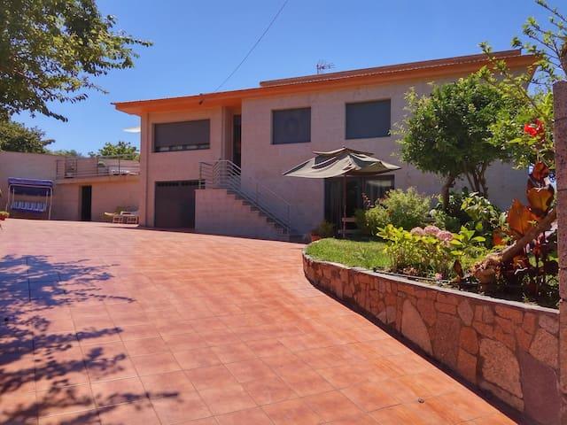 Casa con Piscina y Barbacoa  en Nigran - Nigrán - House