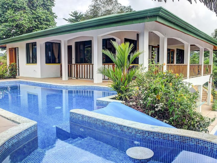 Costa Amor: Luxury Villa w/ Two Pools