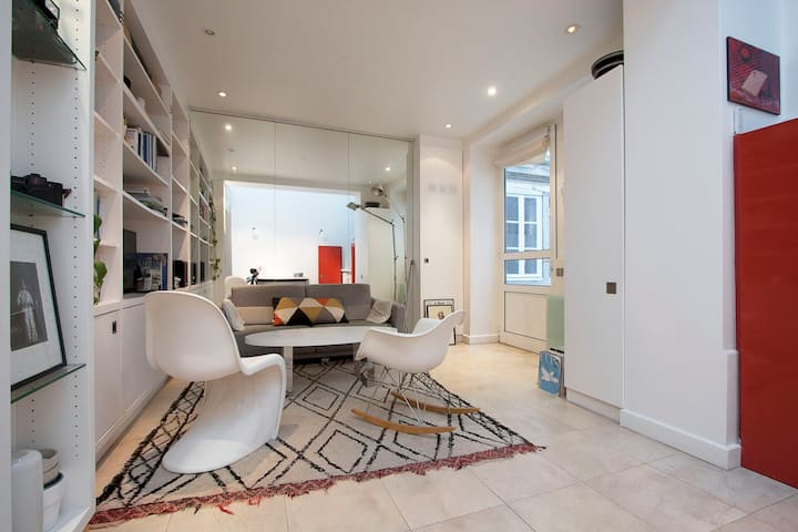 Atelier  323sq ft Place Des Vosges Le Marais Paris