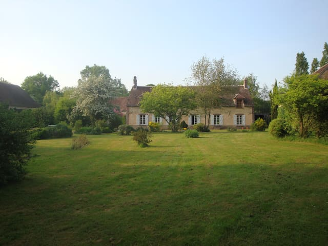 Get away to Burgundy! Bed and Breakfast (Twin bed) - Prunoy - Bed & Breakfast