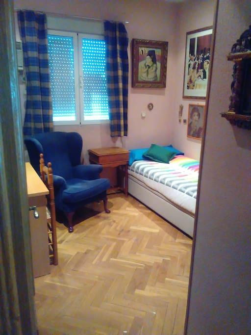 Habitaci n con ba o privado en el centro apartments for rent in madrid comunidad de madrid spain - Amenities en el bano ...