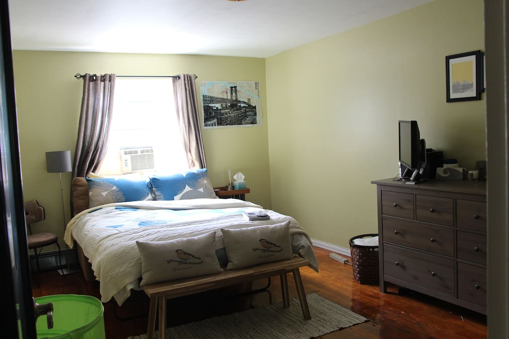 Spacious quiet bedroom w private bathroom apartments for Rooms for rent in nyc with private bathroom