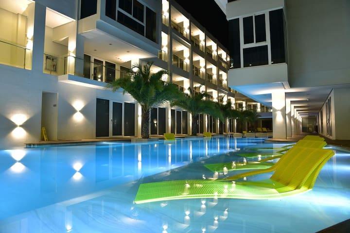 Deluxe Room - Astoria Current Resort in Boracay