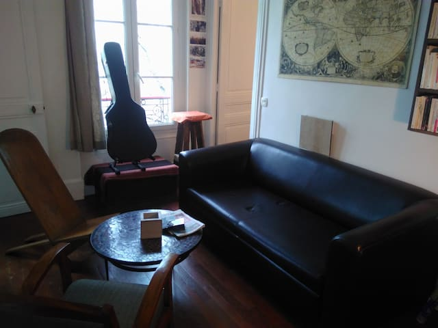 Charmant petit meublé à Montmartre