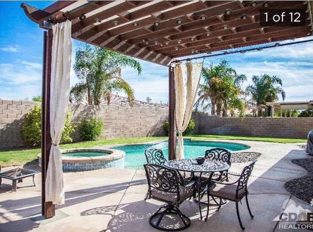 Modern 2,100 square ft home with 4 BD with pool