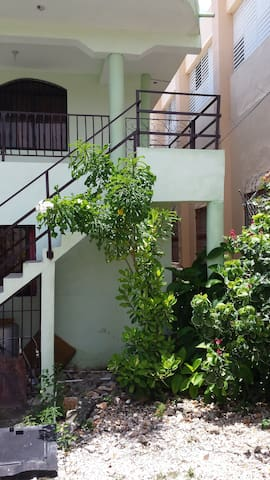 Room 2 Modern, Clean, Cozy, close to Down-town - Barahona