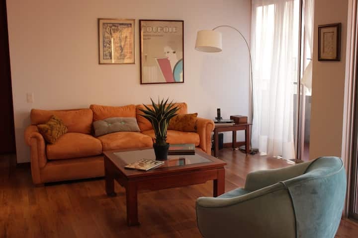 ¡Cozy apartment in upper part of El Poblado! Enjoy