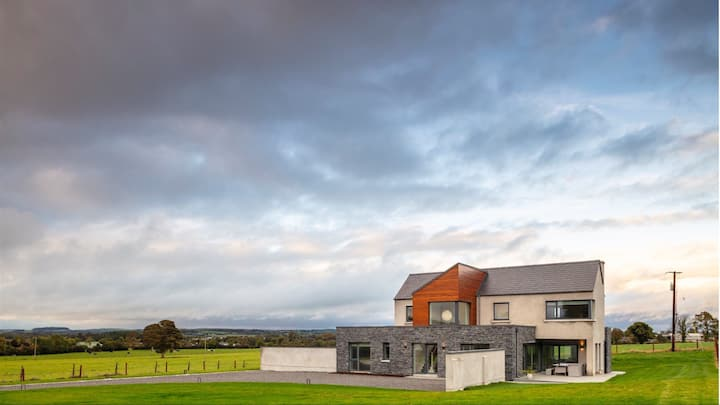 5 Star Contemporary house in Boyne Valley nr Slane