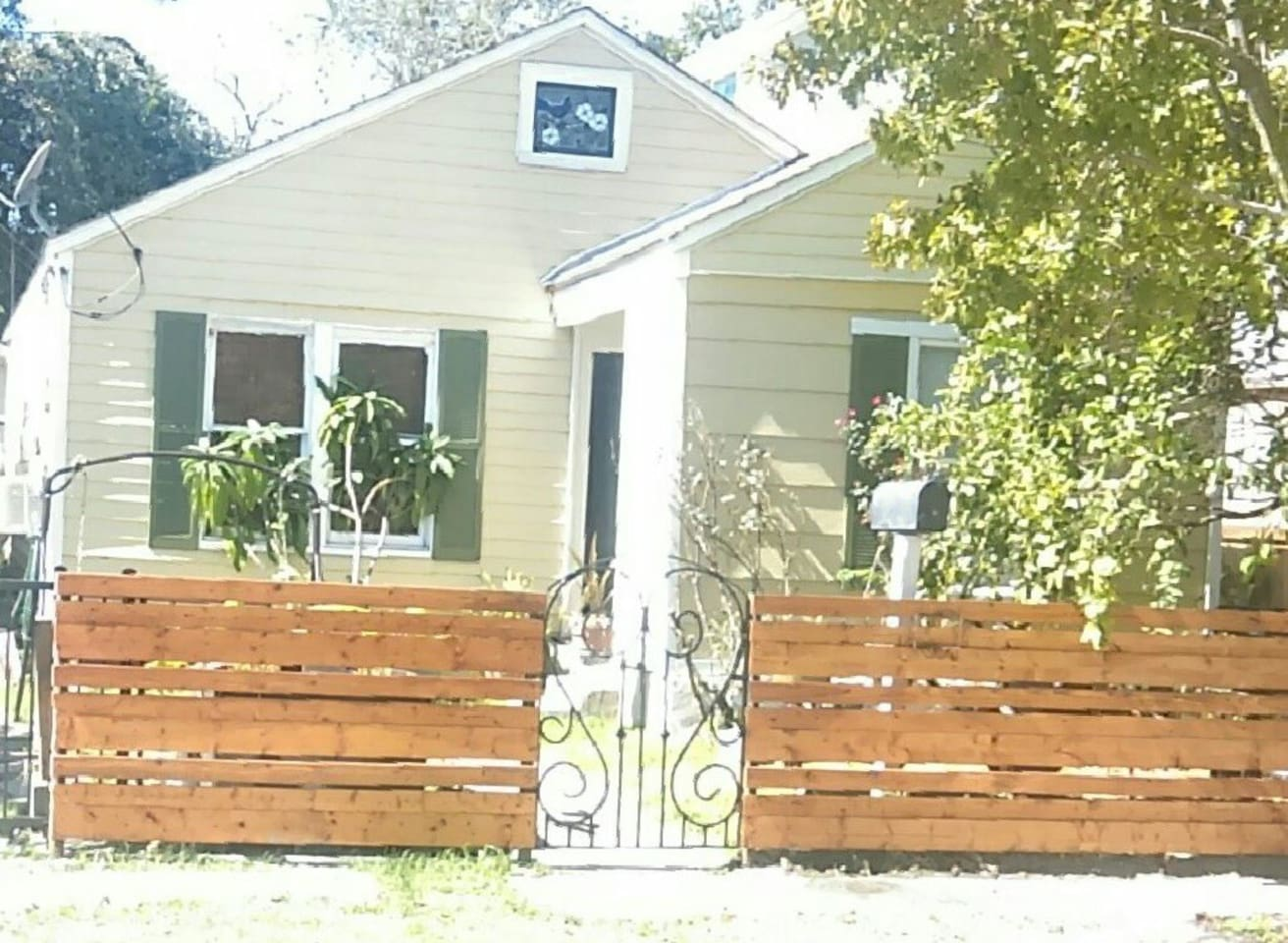 Heights bungalow located in walking distance to Kroger's grocery store, bike & hike trail, and popular restaurants.