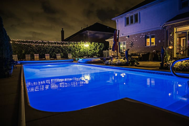 Luxury Home with In-ground Pool - Tinley Park - Hus