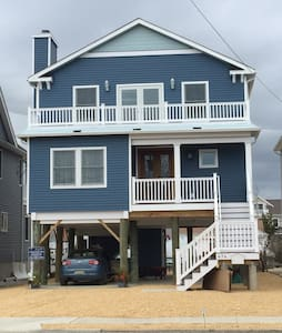 New Beach House with Dock - Manasquan