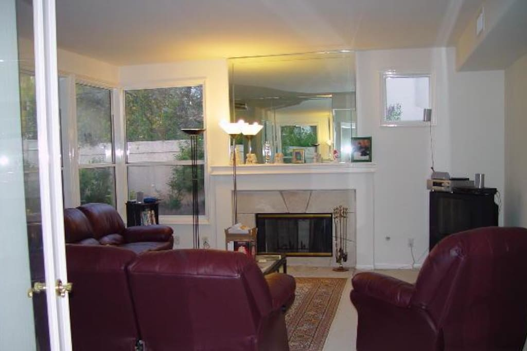 Guest Rooms For Rent In Simi Valley