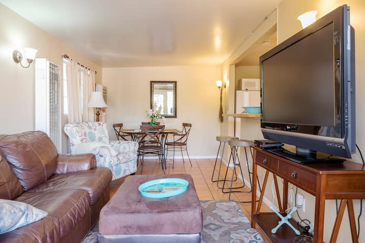 Cottage  near all SoCal attractions