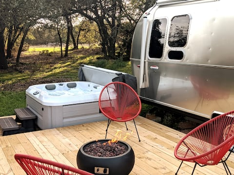 Get Distant @ Woodsy's Airstream Getaway