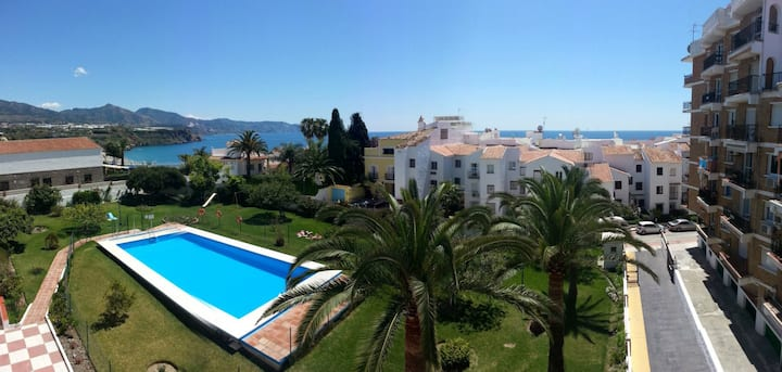 Nice apartment, big pool garden and see view n15