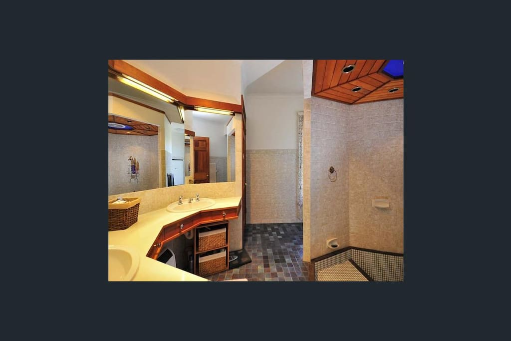 2 People shower with bath, luxury