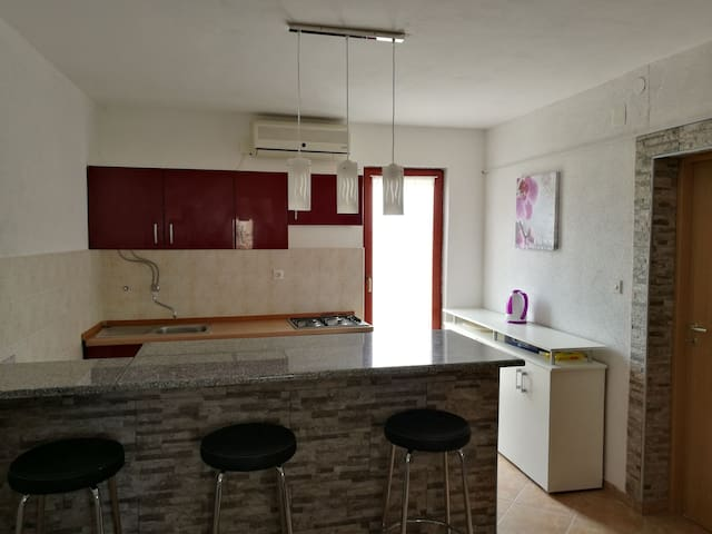 Kitchen with Dinningroom