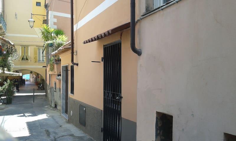 casa vacanze disponibile anche in bassa stagione - Laigueglia - Leilighet