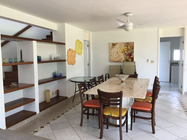 Casa condomínio pé na areia, Pontal de Guaratuba