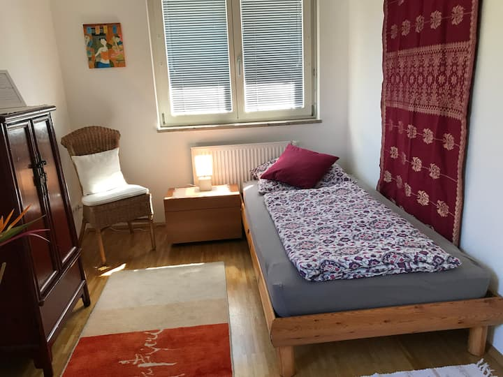 Safe, tranquil Munich B&B -Single room+1