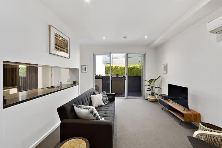 Modern executive apartment, Parliamentary triangle