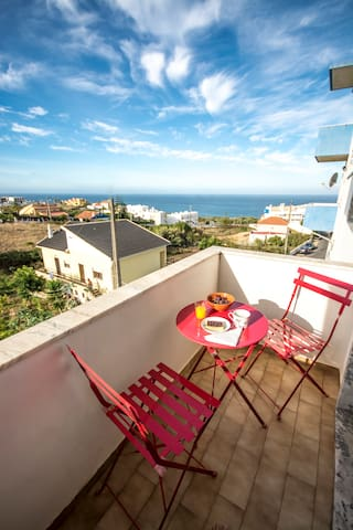 Surf Flat Ericeira beach 600m with seaview - Ericeira - Apartemen