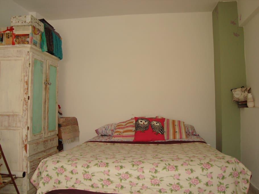 Dormitorio en el entrepiso del loft, super luminoso! pero...... contamos con un black out para que no nos despierte la luz a la mañana.