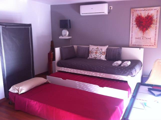 -- DOUBLE ROOM IN BEAUTIFUL DUPLEX -- - Madrid