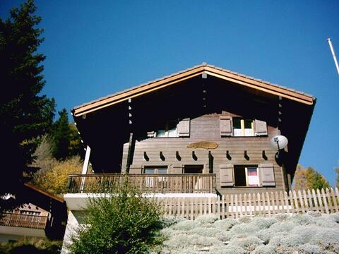 Dachwohnung 2 1/2 Zimmer im Chalet Dorfblick