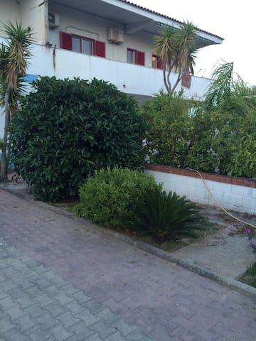Villette direttamente sul mare - Sellia Marina - Appartement