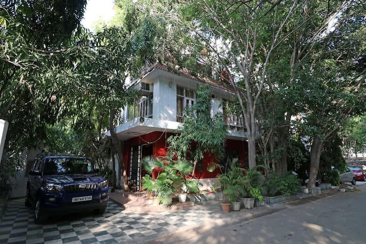 Indian Traditional Room for Foreigners near IGI