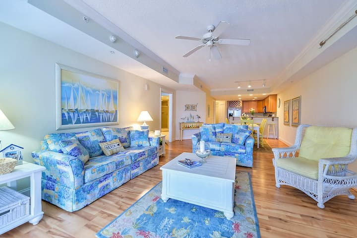 535 - MAYFAIR BEACH Luxury 3 Bedroom Condo free WiFi