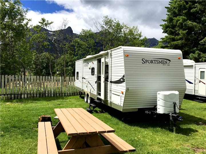 29 FT RV TRAILER - Canmore - Mountain View (28)