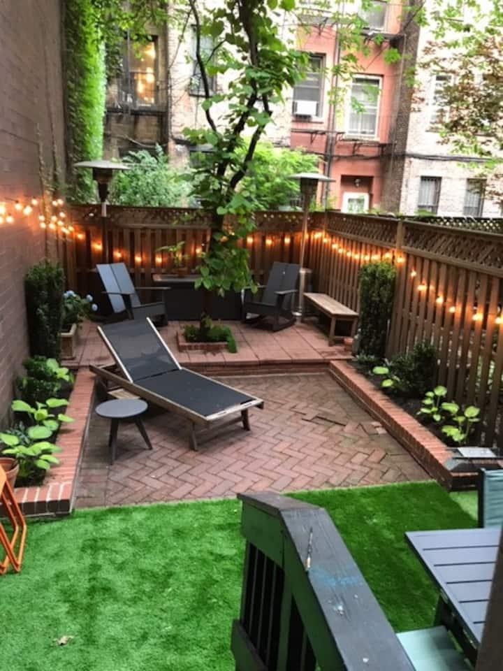 Beautiful Studio with Amazing Private Backyard