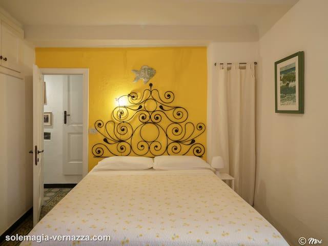 Vernazza Bedroom 1