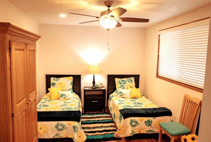 'Rhonda's Happy Place' - Bedroom 4, 'North Star' Home