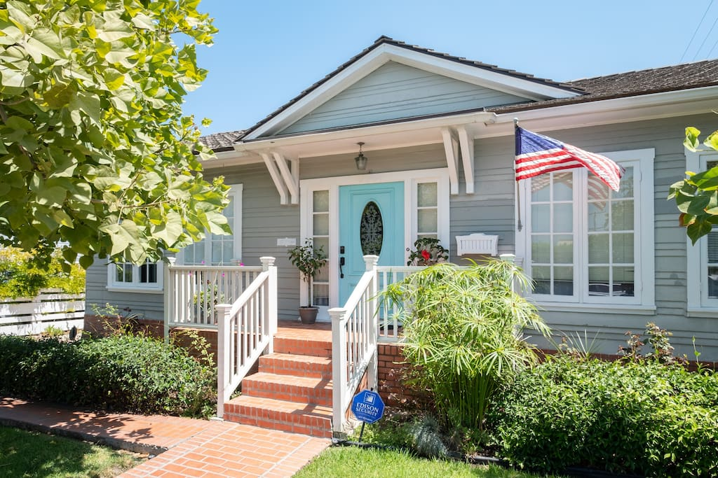 Steve 39 S Beautiful Blue Door Cottage By The Sea Houses For Rent In La Jolla California
