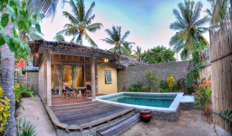 Villa ENAM BELAS w/ stunning design & pool - Meno - ID - Villa