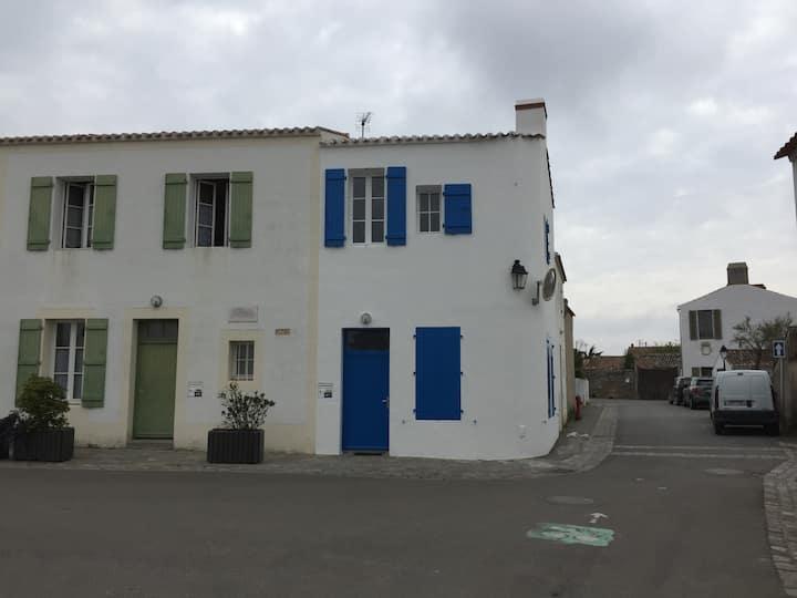 Maison Le Vieil Noirmoutier proche plage commerces