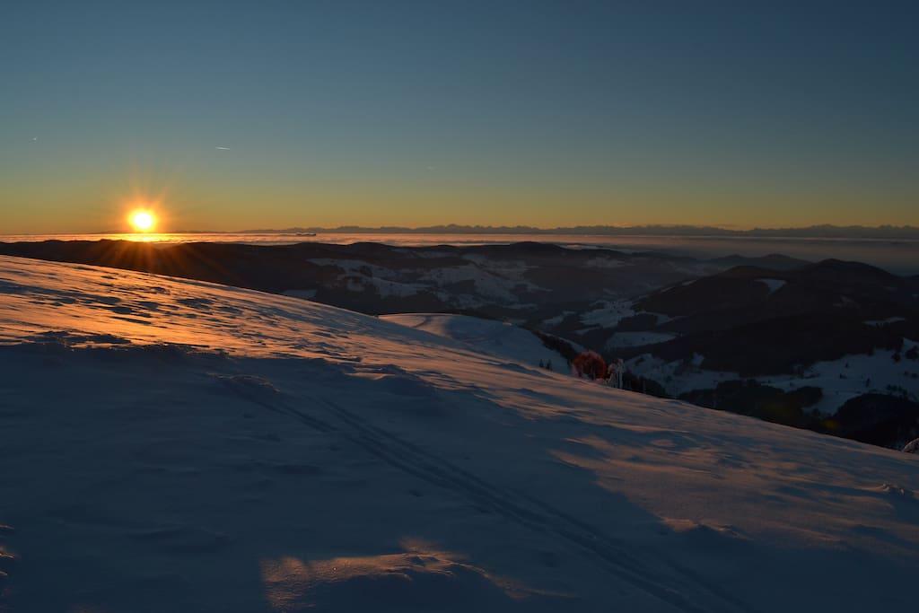 Alpensicht und sehr viel Schnee - bei uns keine Seltenheit.