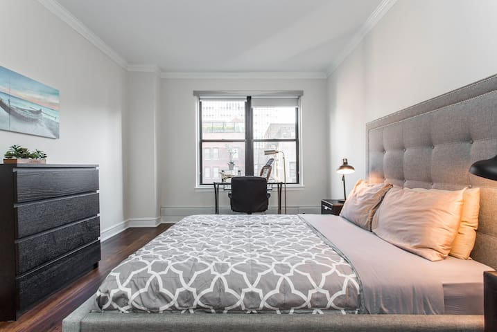 SuperHost Great Location By Michigan Ave Queen bed