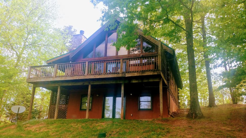 Deer Ridge cabin is a wonderful cabin awaits to start your vacation