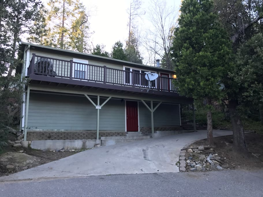 Charming cabin at beautiful bass lake cottages for rent for Airbnb cabins california