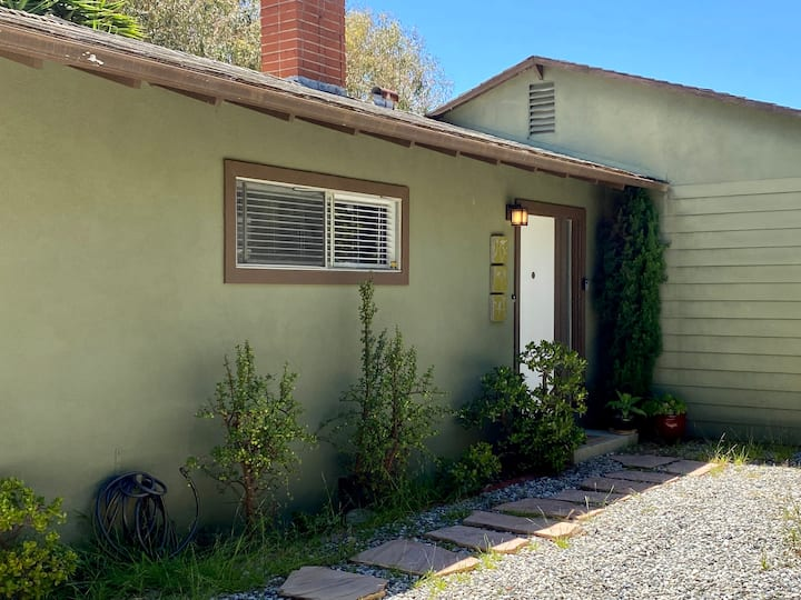 Private Malibu View Cottage Best Location Sleeps 7