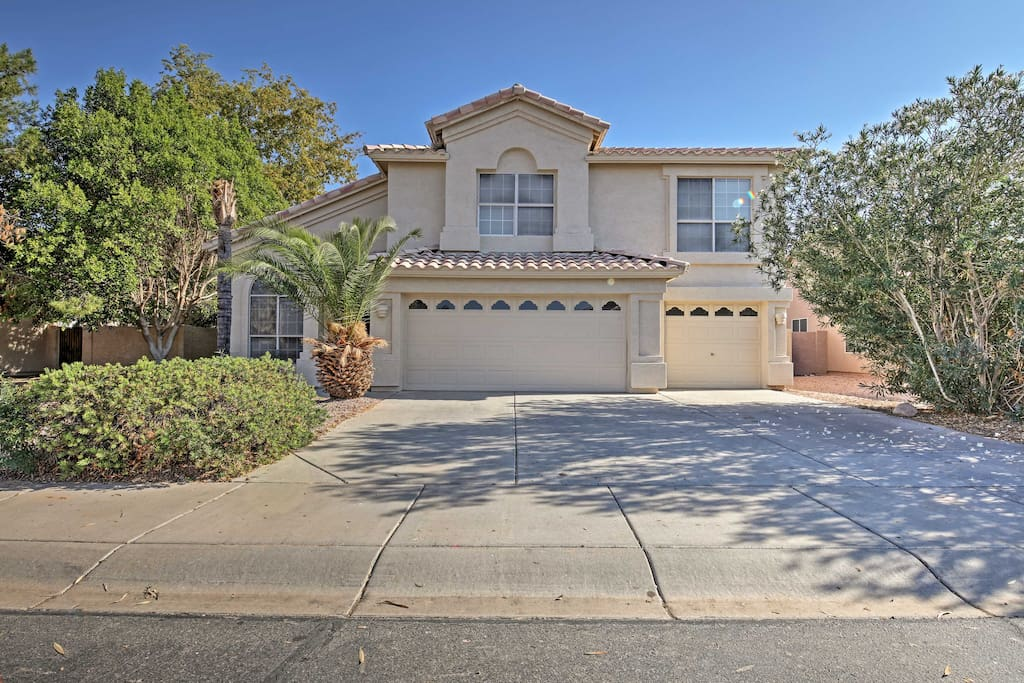 Only a short walk from the Chandler Fashion Center, this property boasts a prime Phoenix area location!