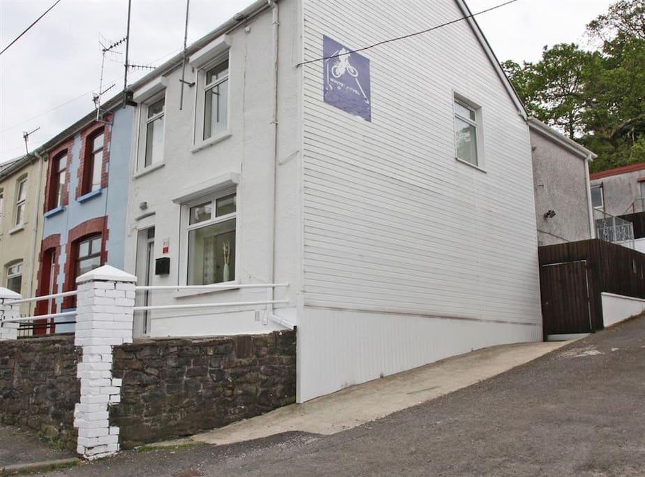 WHITES LEVEL HOUSE 3 star Graded HILTON HOLIDAY HOMES