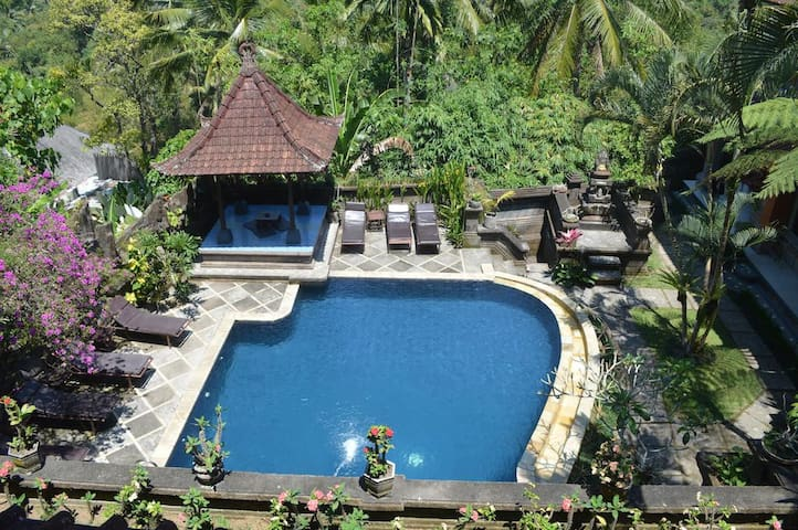 Nick Hidden Cottages Ubud with Pool and Breakfast