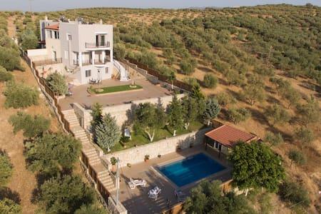 Marakis Villa Luna Rossa Crete - Καβροχώρι - Huvila