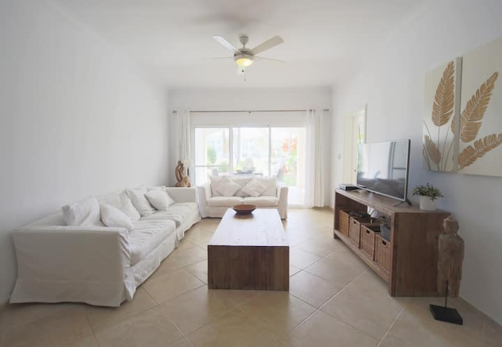 Spacious 2 Bedroom Apartment in Cocotal